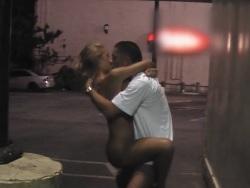Me follo a mi santa esposa en lugares públicos - Videos XXX