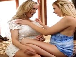 Brandi Love le muestra a su hija como follarse una polla dura - Amateur