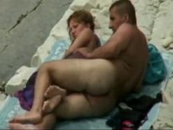 El sexo amateur que se produce en las playas - Amateur