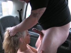 La taxista se folla al cachas del gimnasio - Amateur