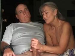 Grabo a mi madre cuando me hace las pajas - Webcam Porno